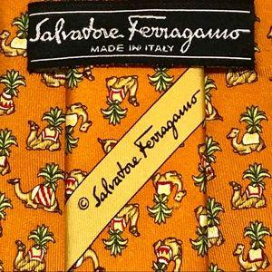 NWOT! SALVATORE FERRAGAMO Mens Animal Print Tie